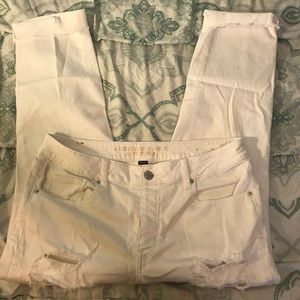 American eagle Tom girl style distressed jeans